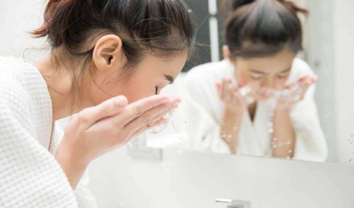 Top 9 sữa rửa mặt cho da nhạy cảm có thành phần dịu nhẹ