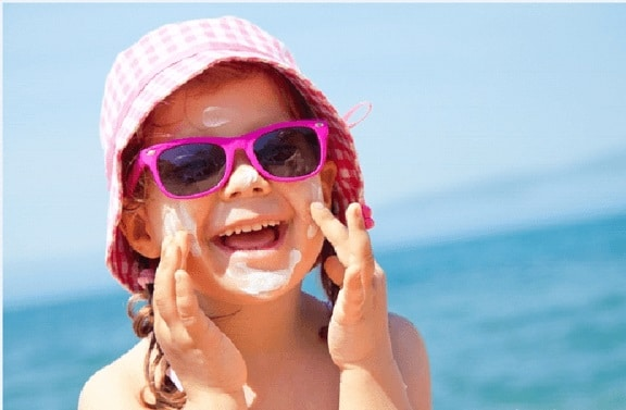 Top 7 kem chống nắng cho trẻ em vừa an toàn vừa dễ mua