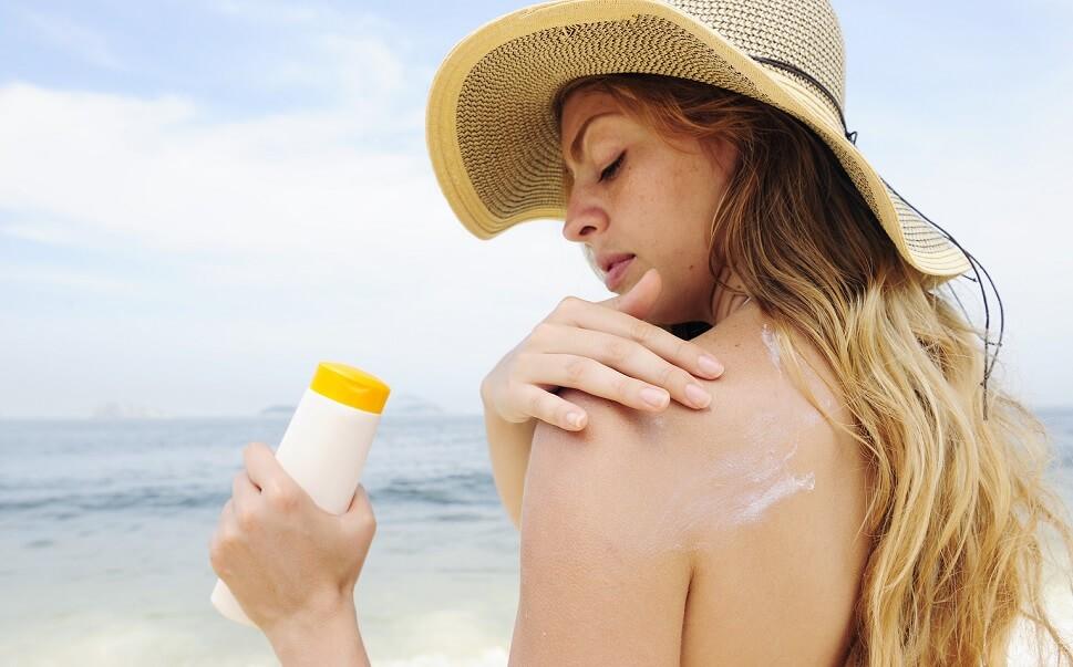 Kem chống nắng phổ rộng là gì mà chuyên gia khuyên dùng?