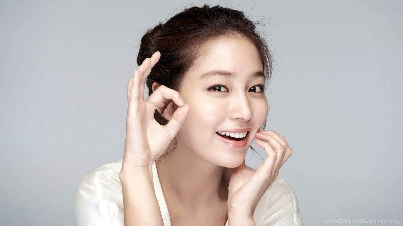Các bước skincare sáng và tối đơn giản giúp da đẹp mịn như sao Hàn