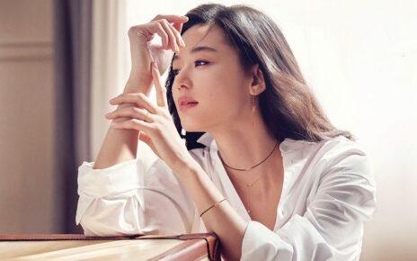 Bí quyết làm đẹp của Sao Hàn: Đắp mặt nạ, làm sạch da dù bận đến mấy