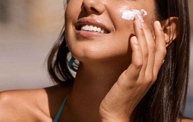 Top 5 kem chống nắng cho da ngăm đen không lo vệt trắng
