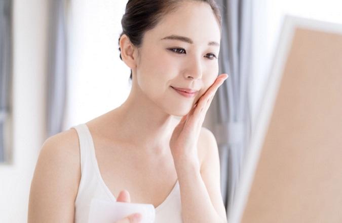 Top 8 serum vitamin C tốt nhất làm mờ thâm, nâng tông, giảm nếp nhăn