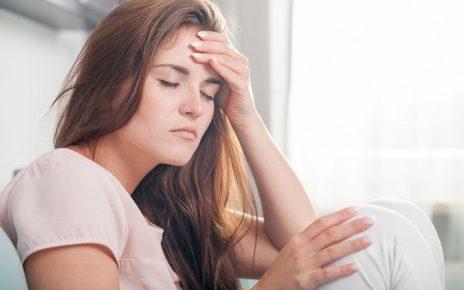 7 dấu hiệu của bệnh ung thư cổ tử cung: Đau sưng chân, mệt mỏi kéo dài