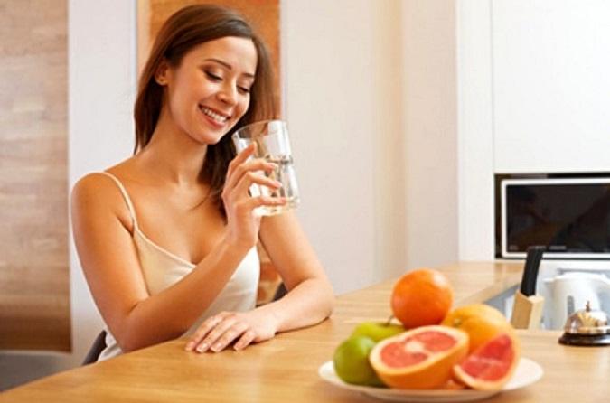 Trước khi ăn - thời điểm uống nước tốt nhất để giảm cân