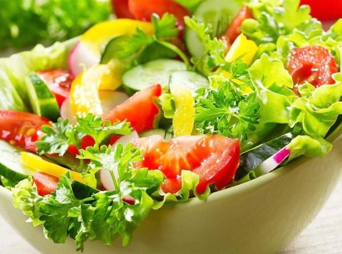 Phụ nữ tuổi 40 nên bắt đầu cân bằng chế độ ăn uống