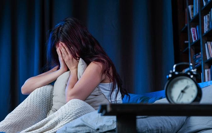 Người bị trầm cảm hay mệt mỏi và gặp vấn đề về giấc ngủ